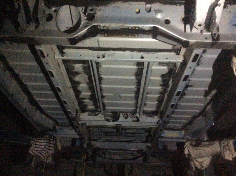 Unterboden T4